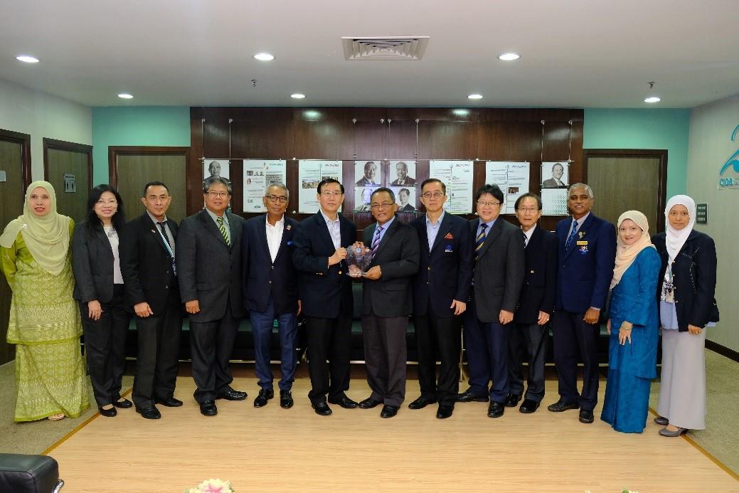 I presented a memento to Dato' Asri